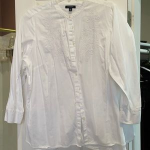 26w lands end white embroidered button down shirt